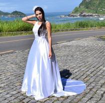 Vestido de noiva peito de renda linda e cauda - Partylight Atelier Das Noivas