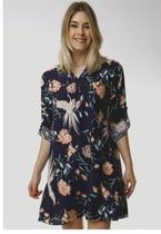 Vestido Floral Estampado Marinho Solto Sob em Viscose com Mangas -