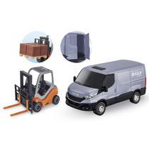 Brinquedo Van Iveco Daily Abre Porta Traseira c/Empilhadeira