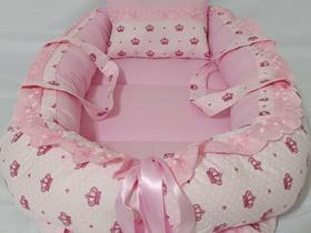 Ninho Redutor De Berço com Alças (coroa rosa)