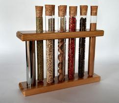 Porta temperos de madeira com 10 tubos de vidro