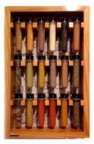Porta temperos de madeira com 18 tubos pet
