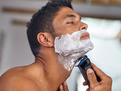 2fb57375f Aparelho de Barbear/Barbeador Elétrico Philips - AquaTouch S1030/04 Seco e  Molhado   Magazine Luiza   Troque seus Pontos   Multiplus