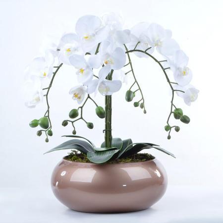 Imagem de Arranjo de Orquídea Artificial Branca em Centro de Mesa Cobre
