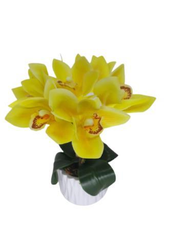 Imagem de Arranjo mini orquídea amarela com vaso branco de cerâmica