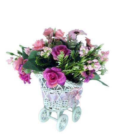 Imagem de Carrinho de vime com flores artificiais pink e rosa