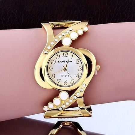 Imagem de Kit Feminino Montreal Relógio Dourado, Colar, Pulseira Love