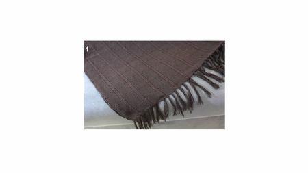 Imagem de manta para sofá marrom xale protetor sofa artesanal em algodão Acessórios Teodoro