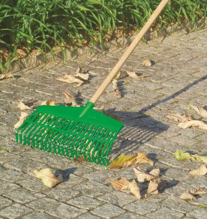 Imagem de Vassoura Ancinho Verde Com Cabo Trapp Fj 1026