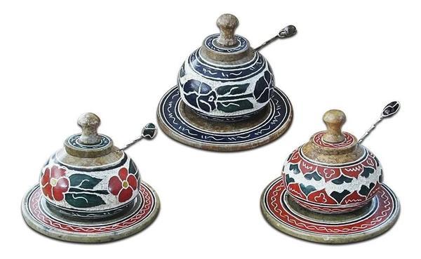 Imagem de Saleiro Decorado Com Prato E Colherzinha Em Pedra Sabão