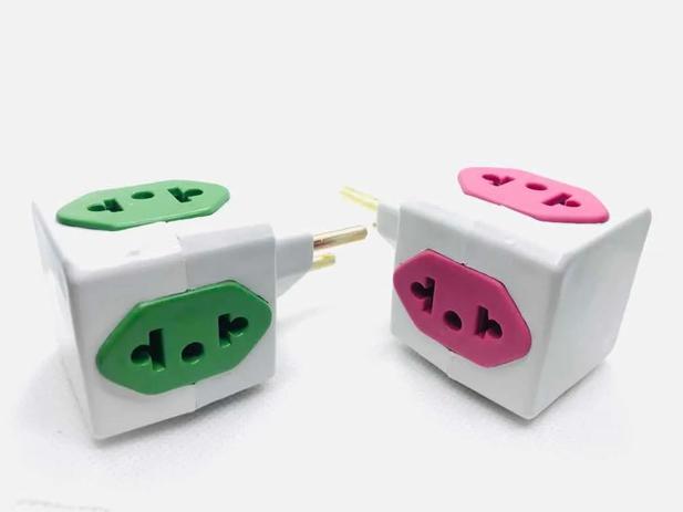 Imagem de Adaptador power cubo 10 A universal 4 tomadas cubo