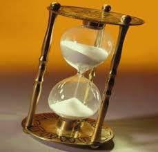 Imagem de Ampulheta Decorativa 15 minutos Base em metal.