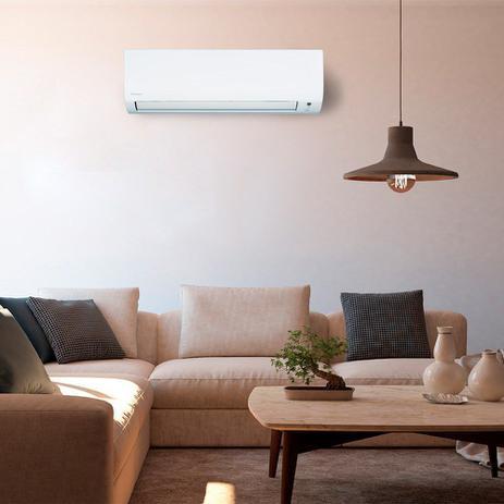 Imagem de Ar condicionado Inverter Daikin Advance 9000 Btus Quente e Frio 220v