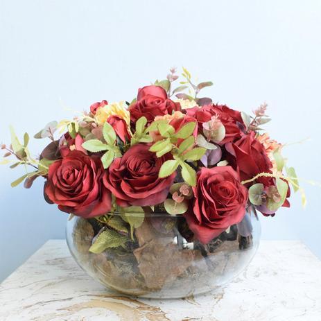 Imagem de Arranjo de Flores Artificiais Rosas Vermelhas e Peônias no Vaso de Vidro