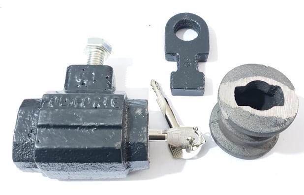 Imagem de Cadeado de chão tetra completo modelo king original polyforte com 2 chaves