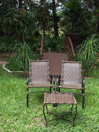 Imagem de Cadeiras Com Mesa Decoração Área Jardim Varanda Piscina