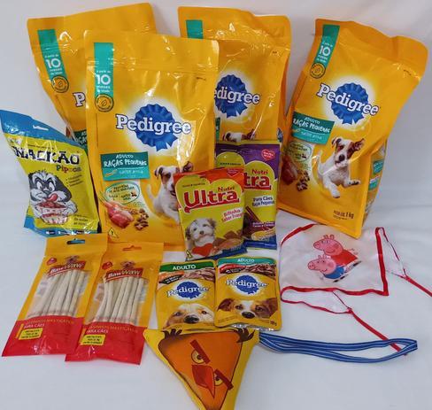 Imagem de Cesta Básica Pet para cachorros - Kit ração, petiscos e acessórios