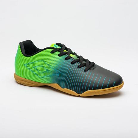 Chuteira Futsal Umbro Vibe Jr - Preto Verde - Tênis de Futsal ... 3f1578b652522