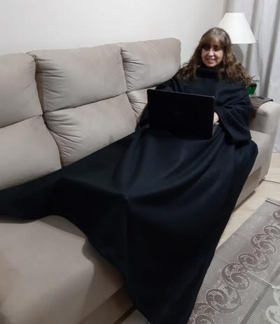 Imagem de Cobertor com Mangas - Preto - 1,90m x 1,50m - Dryas