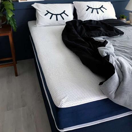 Menor preço em Colchão Casal Mola Ensacada Guldi Macio (25x138x188) Azul e Branco