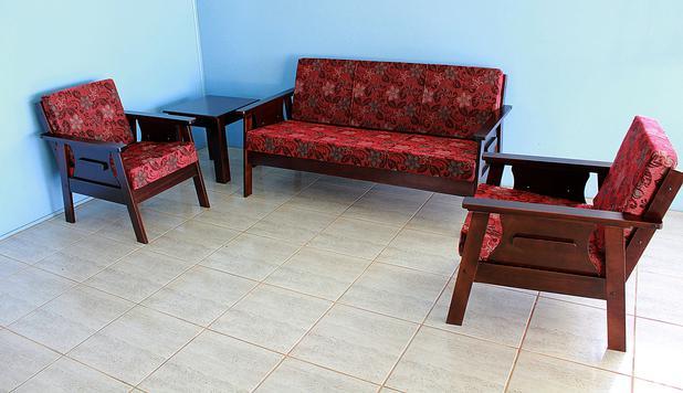 ce0f812a4c6b7e Conjunto De Sofá em madeira 3+1+1 Lugares Imbuia Com Almofadas Espuma - Vm  móveis paraiso
