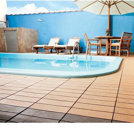Imagem de Deck sustentável de WPC 30x30cm liso ipê Massol