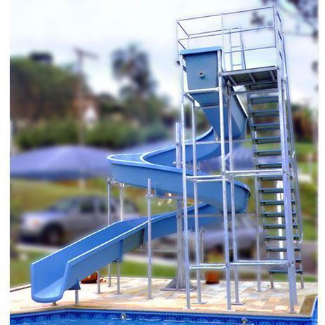 Imagem de Escorregador toboágua de 16 m com 1 lance de escadas para piscina