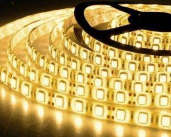 Menor preço em Fita Super LED 5050 Rolo 5 Metros C/ Silicone e Fita Dupla Face + Fonte (Cor : Branco Quente) - Power xl