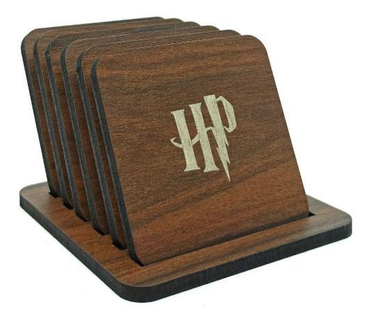 Imagem de Kit com 6 Porta Copos Harry Potter Madeira Personagem Símbolos Ícones Filme Rogwarts Livro JK