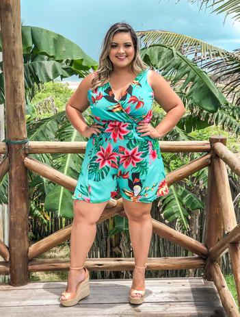 b409eaad4 Macaquinho Macacão Plus Size Curto Lindo Moda Roupas Femininas - Bellucy  modas
