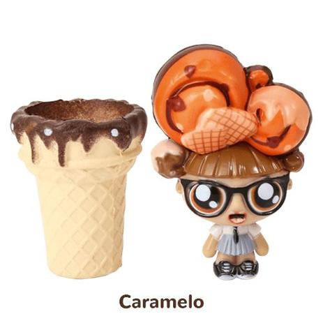 Imagem de Mini Boneca 13 Cm Gelateenz com Cheirinho Sorvete Torta de Caramelo 5106 - DTC