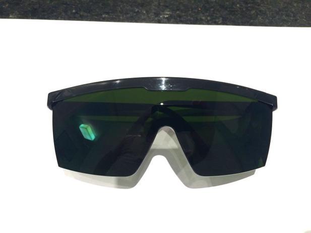 4aaa0795fbfd0 Oculos de proteçao contra raio laser e luz pulsada IPL - Majestic ...