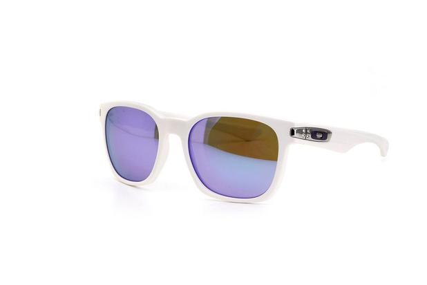 f414b551a517a Óculos de Sol Oakley Lente Policarbonato Branco - Óculos de Sol ...