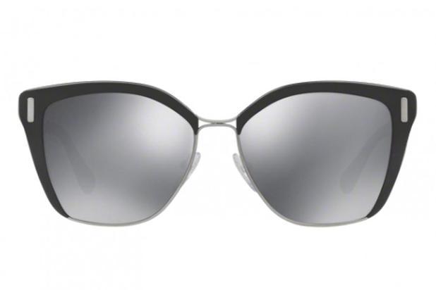 b1061b7e5 Óculos de Sol Prada PR 56TS 1AB5L0/57 Preto/Cinza Escuro - Óculos ...