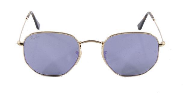 fdc340781 Óculos de Sol Ray Ban Hexagonal Metal RB3548 Ouro Lente Roxa Flat Tam 51 -  Ray-ban