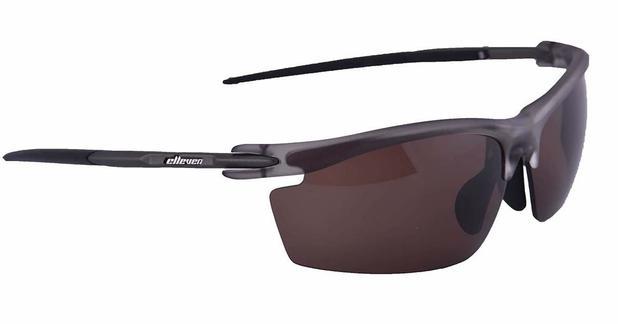 Oculos para ciclismo elleven blade cinza e preto com lente escura e lente  extra clara f6aa386ce7