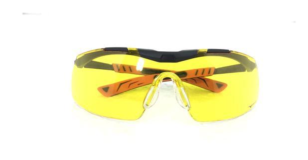 4fb9f89c58277 Óculos PROTEÇÃO Esportivo UNIVET Noturno Lentes Amarelas Anti Reflexo ultra  leve CICLISMO CORRIDA Paraquedismo DIRIGIR A