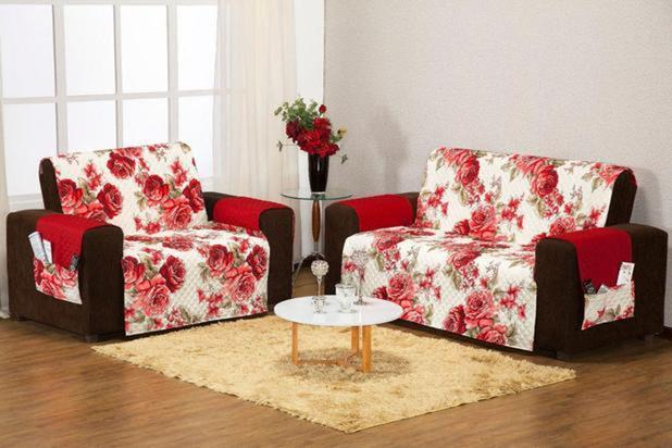 Imagem de protetor de sofa promoçao 3x2 lug estampado floral vermelho costurado