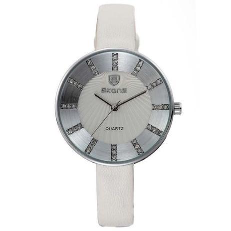 4363518985c Relógio feminino skone analógico casual 9250 branco -
