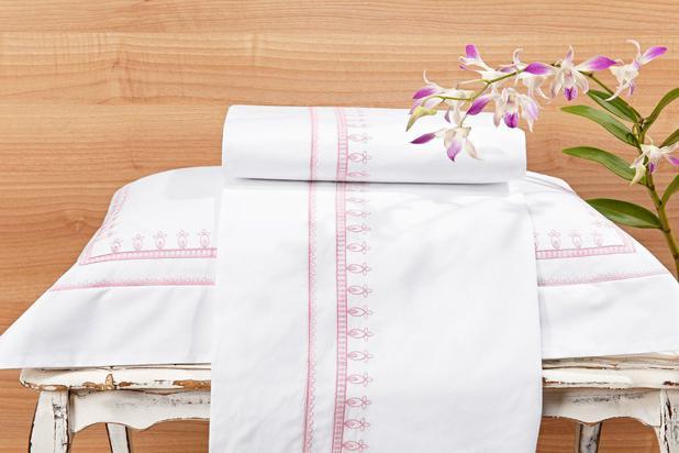 f4685b96ee Roupa   Lençol de Cama Solteiro Branco com detalhe rosa Percal 200 fios com  3 peças - Jogo de Lençol Campofiori - Bernadete casa