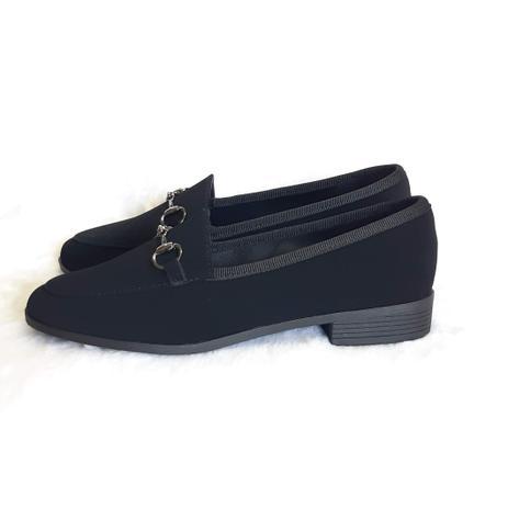 Imagem de Sapato feminino mocassim preto com fivela