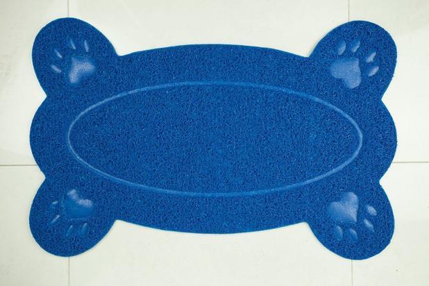 Imagem de Tapete Pet 4 Patas Em Pvc Para Cães E Gatos 38x58 Cm