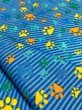 Imagem de Tecido para decoração Gorgurinho patinhas coloridas - Fundo azul