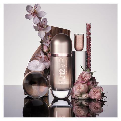 Imagem de 212 VIP Rosé Carolina Herrera - Perfume Feminino - Eau de Parfum