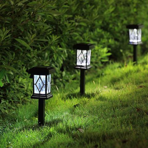 Imagem de 4 Luminárias Balizadoras Solares Tipo