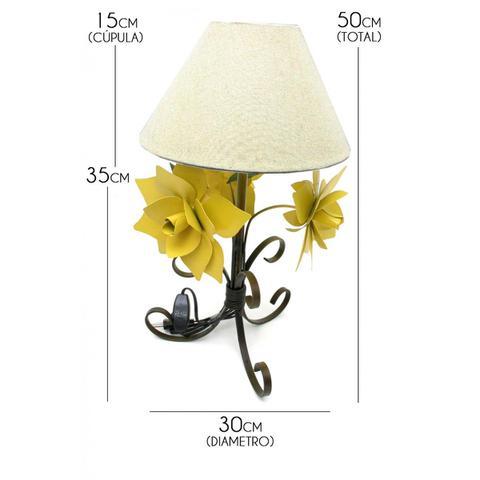 Imagem de Abajur Rustico para Quarto De Casal De Ferro Artesanal Decorativo com Flores