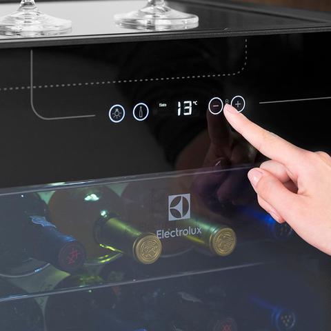 Imagem de Adega Electrolux ACS34 34 Garrafas Painel Touch Control Preto