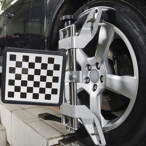 Imagem de Alinhamento + Balanceamento de 4 pneus  Com instalação e bicos grátis