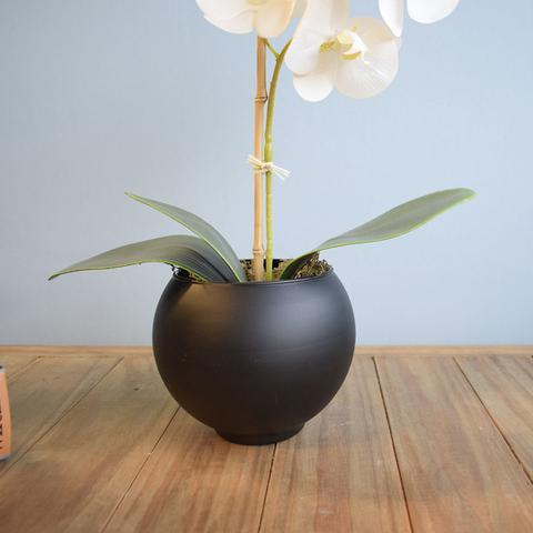 Imagem de Arranjo de Flor Artificial Orquídea Branca no Vaso Preto Fosco  Formosinha