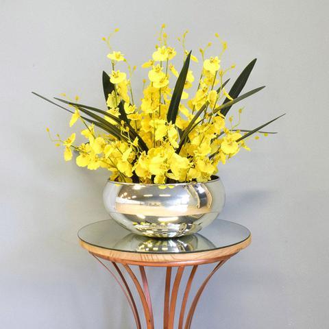 Imagem de Arranjo de Flores Artificiais Amarelas no Vaso Prateado  Formosinha